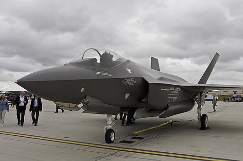 из 80 летающих F-35 не был