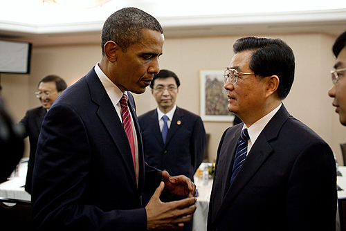 President Barack Obama talks with Chinese President Hu Jintao following the G20 Summit in Toronto, Canada, June 26, 2010.